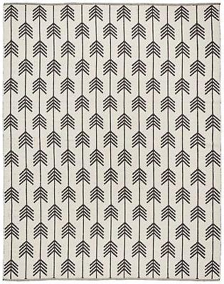 arrow wool rug 4 x 6 black