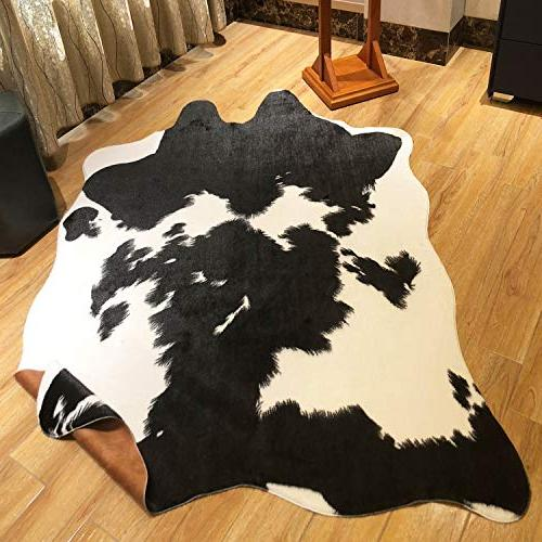 JaYe Black and Cowhide Rug,5x6.6 Feet